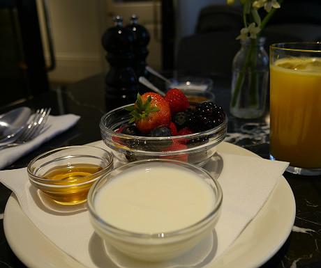 Laslett berries at breakfast