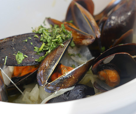 Mussels at Ribeira dIlhas Restaurant