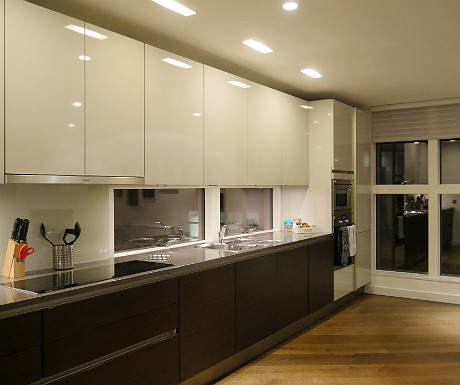 SACO Covent Garden apartment kitchen