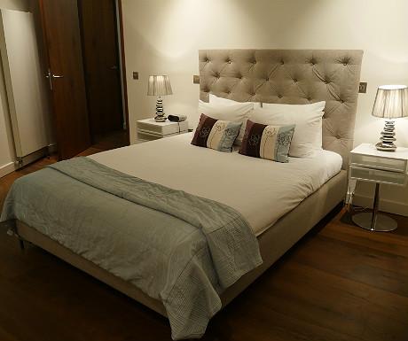 SACO Covent Garden apartment master bedroom