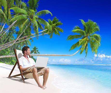Travel blogger on island_192820466