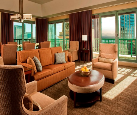 denver pikes peak suite