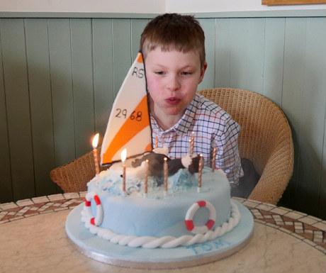 Cake blowing 2