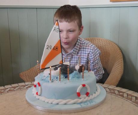 Cake blowing 3
