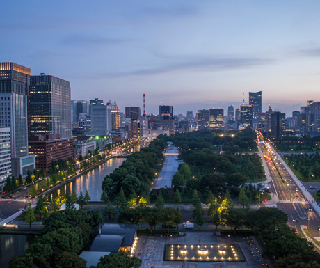 The-view-from-one-of-Tokyo's-luxurious-Palace-Hotel