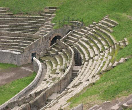 pompeii 3 amphitheatre