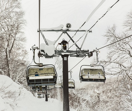 5-best-ski-lifts-worldwide-Hirafu-Japan