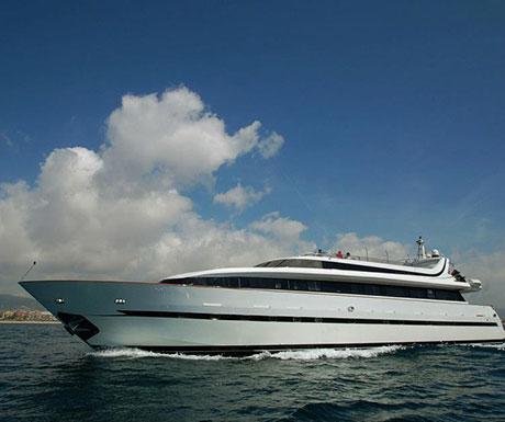 Boat charter bcn1