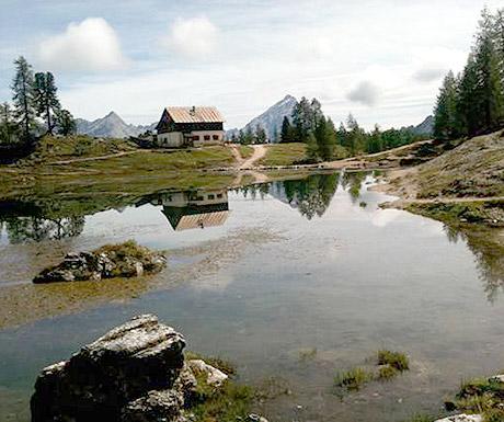 Mirror or lake