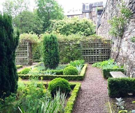 Dunbars Garden Close in Edinburgh