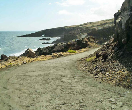 Kaupo Ocean Arch & road