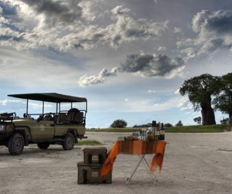 Nxai Pan - Sundowners on Wildlife Drive