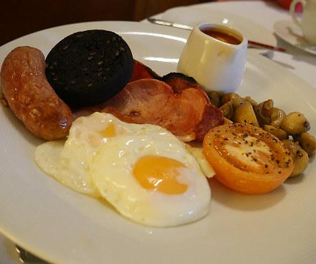 Breakfast at Goldsborough Hall