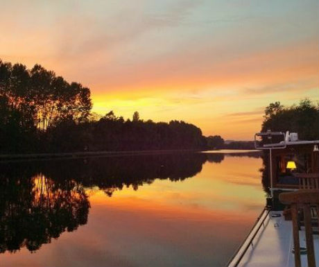 Bordeaux luxury barge cruise sunset