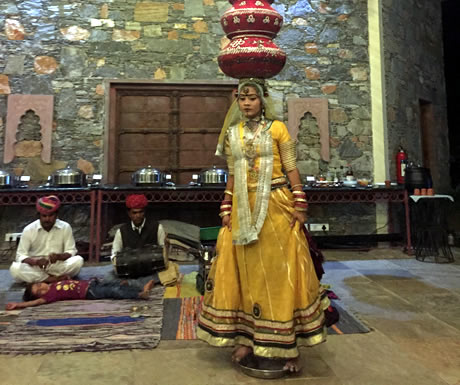 Bollywood style dance show at Araveli