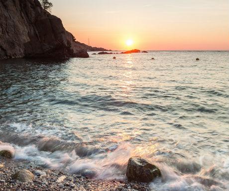 Cala Pedrosa sunrise