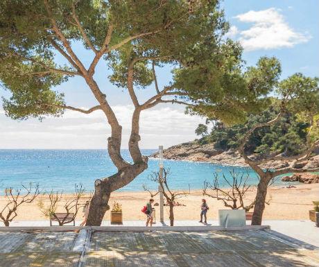 Hotel Tamariu views to beach
