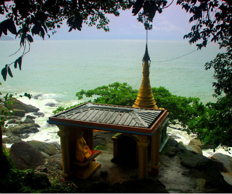 Myanmar Passage to the southern peninsula-Myawyit Pagoda - Dawei
