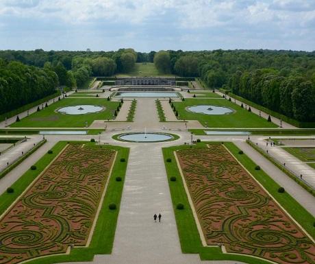 Relive the past - Chateau de Vaux-le-Vicomte