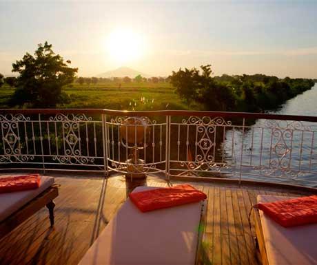 Sun-deck-on-the-Jahan