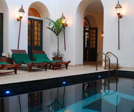 Villa-Bahia-Pool-RSZ