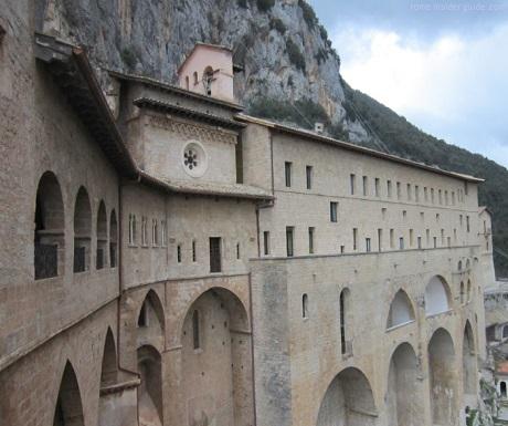 alternative italy monastery