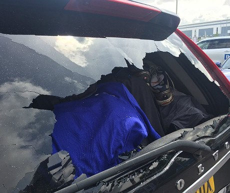 Broken rear windscreen on Volvo XC90