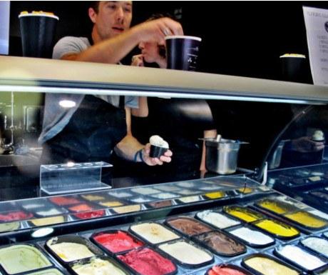 Glaces Glazed ice cream