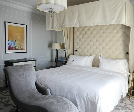 Hotel Maria Cristina Bette Davis suite master bedroom