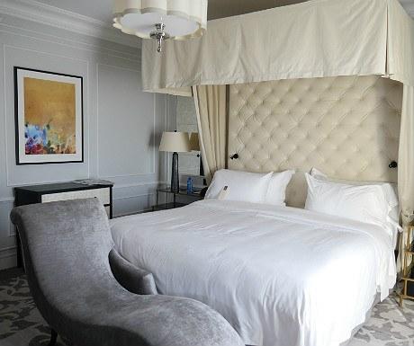 Hotel Maria Cristina Bette Davis suite master bedroom