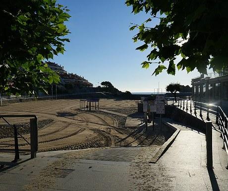 Isla Playa walkway