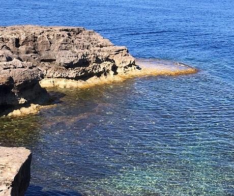 Malta_Comino_ swimming