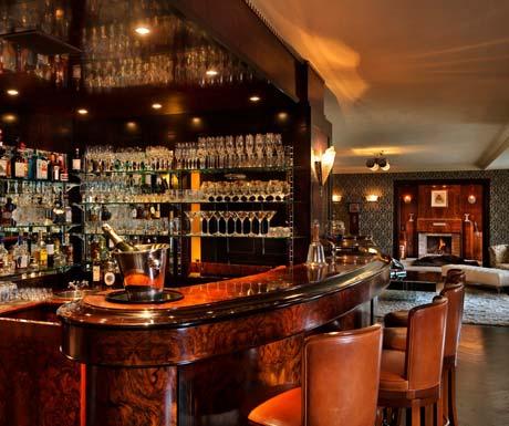 bar-in-luxury-chalet
