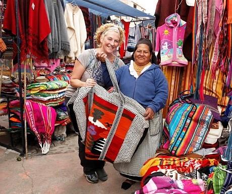ecuador-handicrafts-market