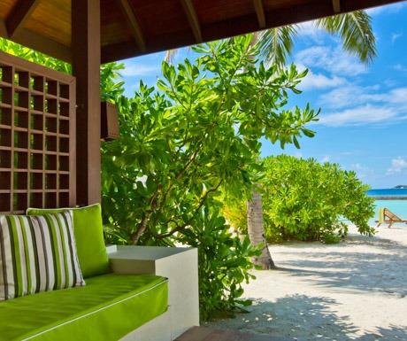 kurumba-maldives-superior-room