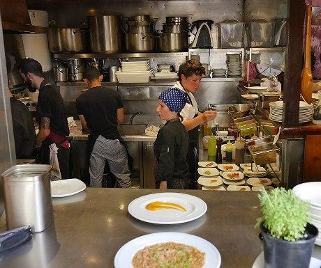 la-cuchara-de-san-tulmo-kitchen