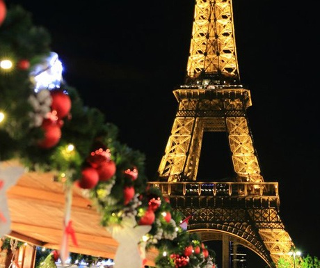 paris-christmas-eiffel-tower