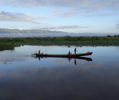 waterborne-exploration-is-easier-in-the-green-season