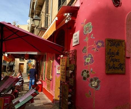 Street scene, Palma, Autumn in Mallorca