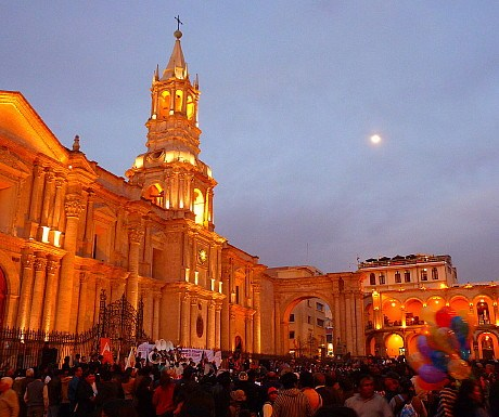 5-arequipa-town-square