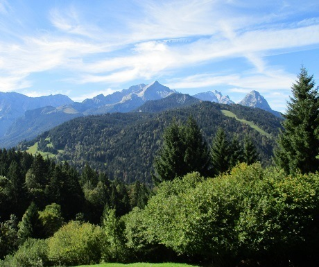Scenic walk: Eckbauer Peak to Garmisch Partenkirchen