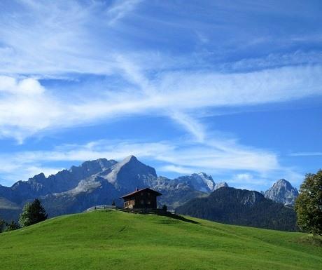 Scenic wlak: Eckbauer to Garmisch Partenkirchen