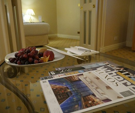 landmark-magazines-and-fruit
