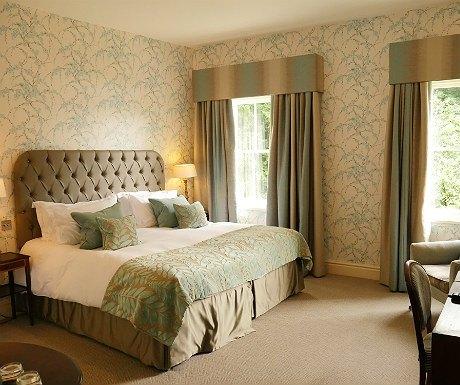 storrs-hall-bedroom