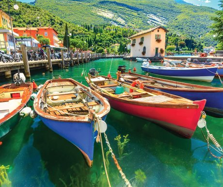 italy_shutterstock_lake-garda-boats-near-torbole-medium