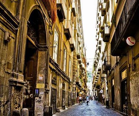 altb-naples-street-life