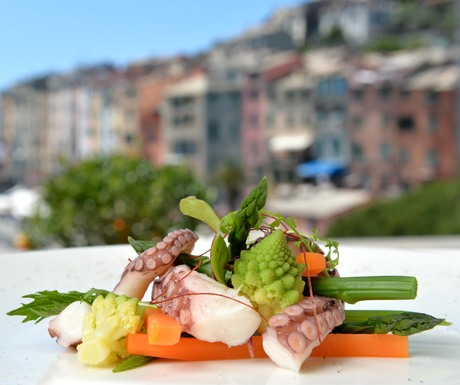 Steamed Tentacles with Vegetables and Organic Lemon Juice