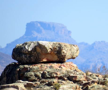 Kagga Kamma, rock construction