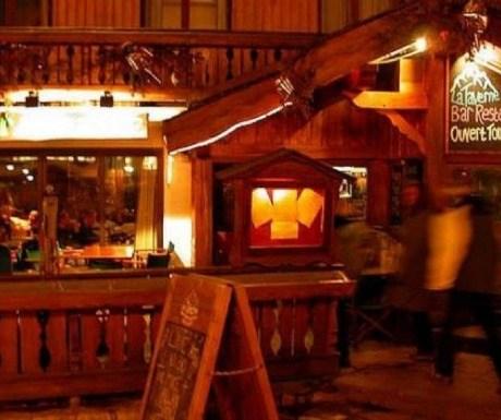 La Taverne Bar and Restaurant