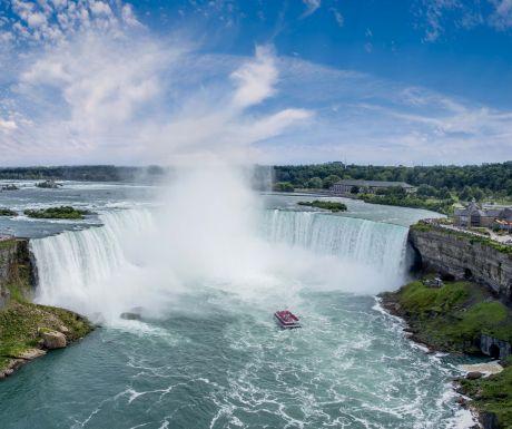 Hornblower_NiagaraFalls